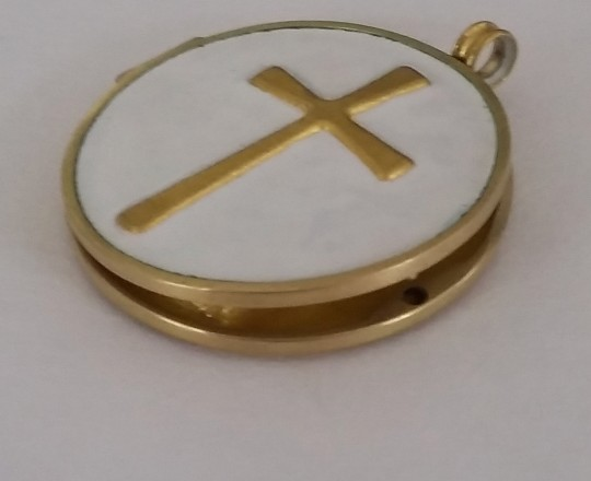 Back, cross, finegold and white enamel